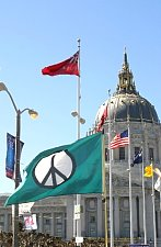 Flags_of_Peace_Flags_of_War.jpg